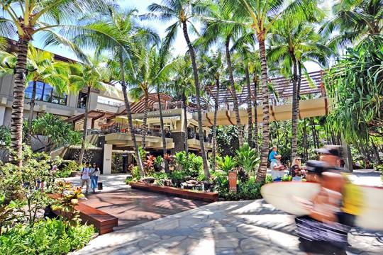 ロイヤル・ハワイアン・センター、一部を除く全店が営業再開