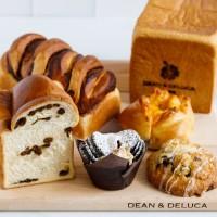 DEAN & DELUCAでパン祭り開催中!